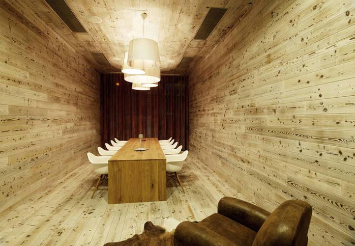 Phòng họp với vách gỗ