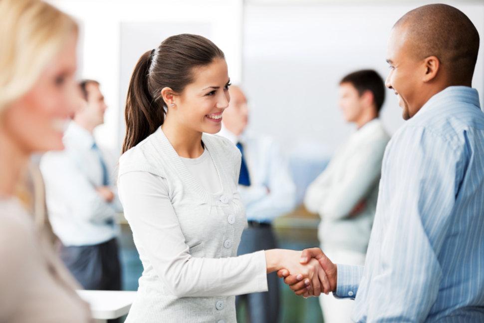 5 tuyệt chiêu giúp bạn tạo ấn tượng tốt đẹp trong ngày đầu tiên làm sếp