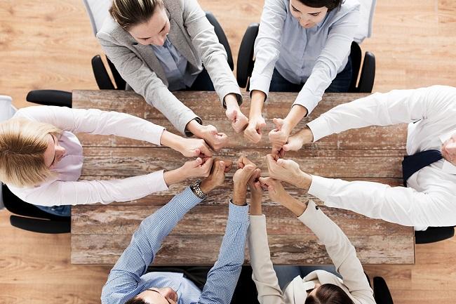 Để Meeting không nhàm chán, hãy khuấy động không khí với 9 trò chơi team building