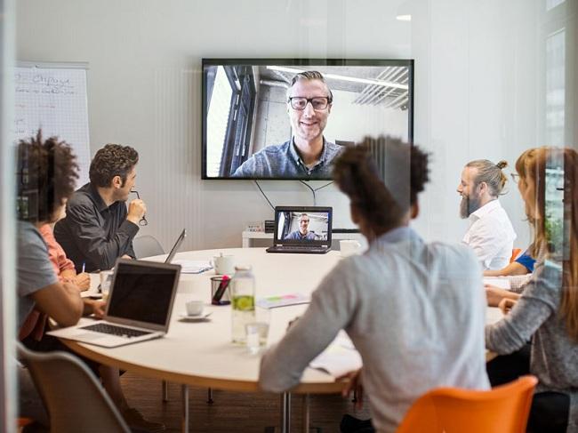 Thành thạo công nghệ giúp bạn dễ dàng tương tác với đồng nghiệp từ xa