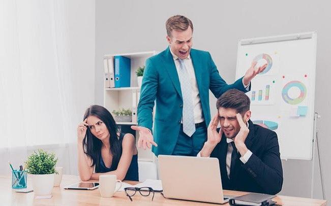 Không tôn trọng cấp trên là một trong những dấu hiệu bạn chọn sai công ty
